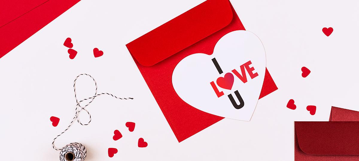 Banner I love U mit Umschlag & Dekoration